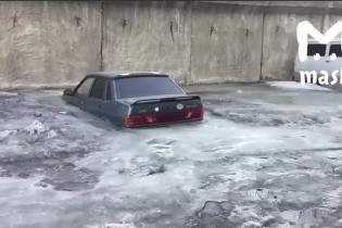 Таз во льду: в Росии засняли обледенелую стоянку