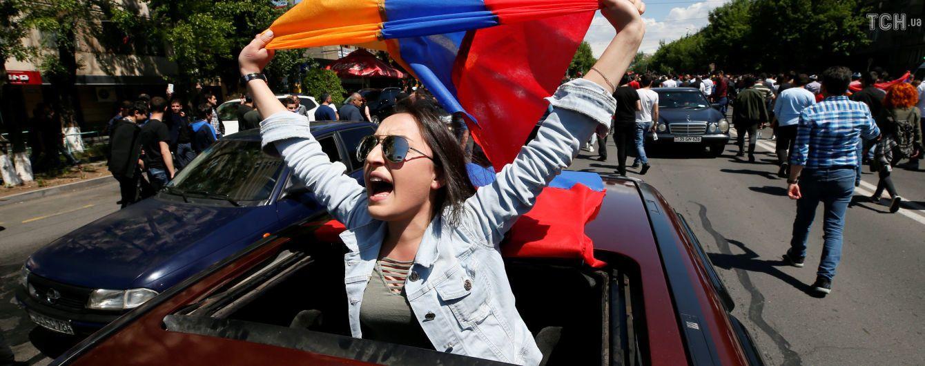 В Москву на тайные переговоры прибыли два высоких чиновника из Армении
