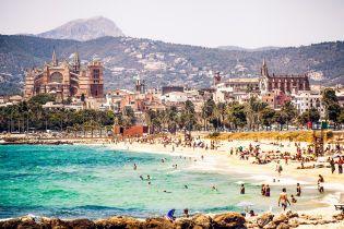 Жителям іспанського курорту заборонили здавати житло туристам