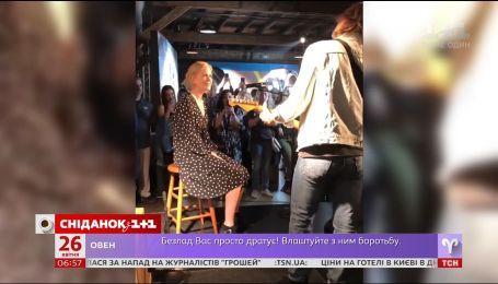 Актриса Николь Кидман спела дуэтом со своим мужем-музыкантом