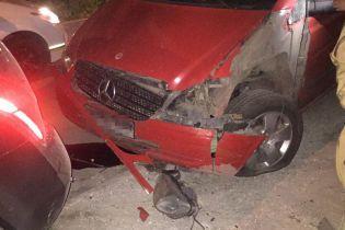 На Одещині невідомий підірвав авто біля житлового будинку