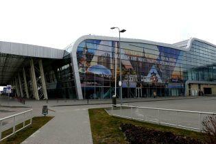 Львівський аеропорт попередив про масштабну затримку рейсів Ernest Airlines