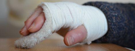 """""""Скотские условия"""" перевозки. Во Львове 8-летний мальчик сломал руку в переполненной маршрутке"""