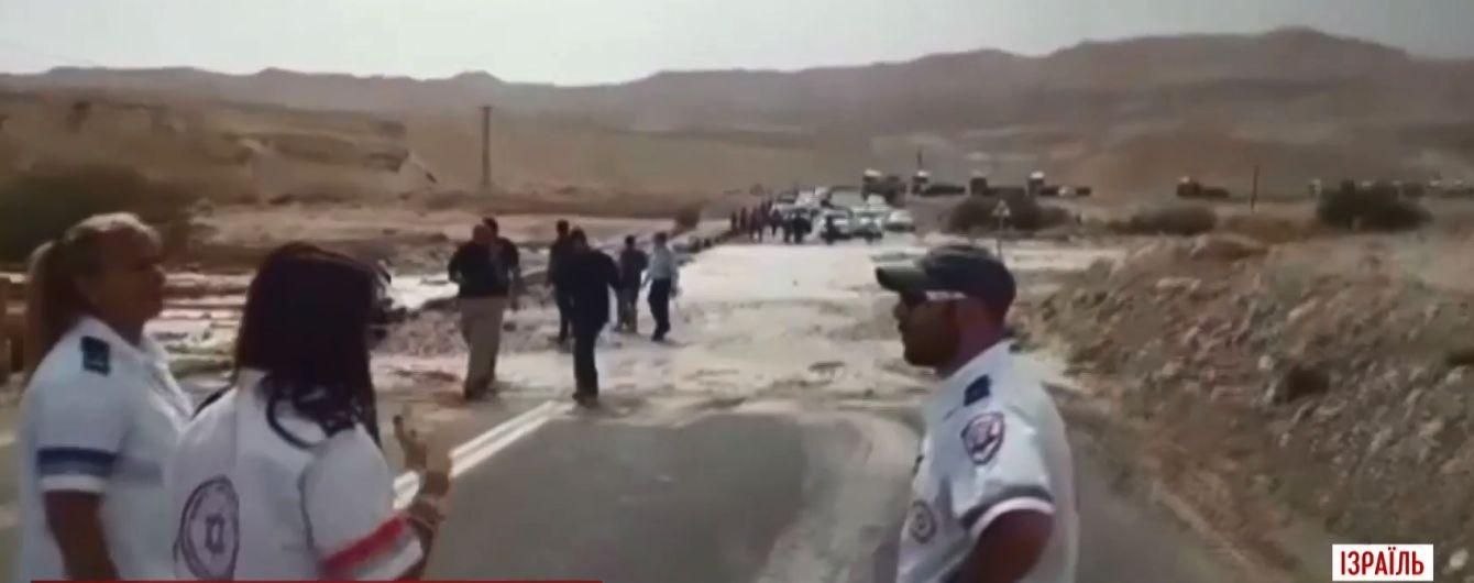 Раптова повінь у пустелі вбила дев'ять підлітків в Ізраїлі