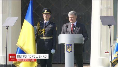Російські війська готові в будь-який момент до повномасштабного вторгнення в Україну – Порошенко