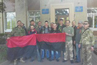 Націоналісти змусили міськраду Обухова піднімати червоно-чорний прапор