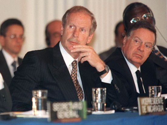 Помер екс-президент Гватемали, який завершив громадянську війну в країні