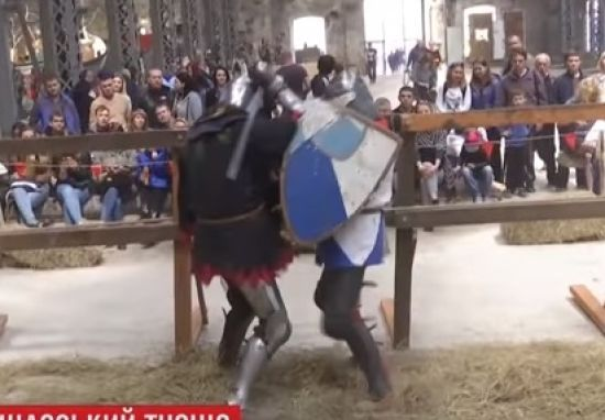 У Харкові стартував видовищний середньовічний фестиваль із лицарськими двобоями