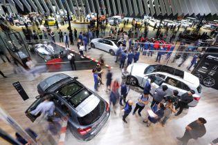 Автопроизводители отказываются от участия в автошоу в Париже