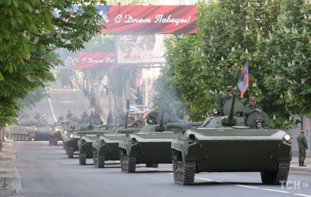 Опубліковані фото підготовки бойовиками параду до 9 травня в Донецьку (5)