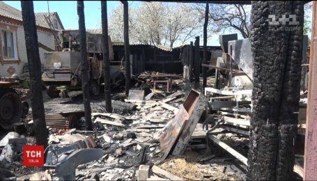 На Сумщині поліцейські врятували людей від вогню, що вирував на їхньому подвір'ї