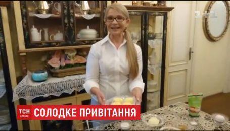 Юлія Тимошенко записала відео про приготування сирників