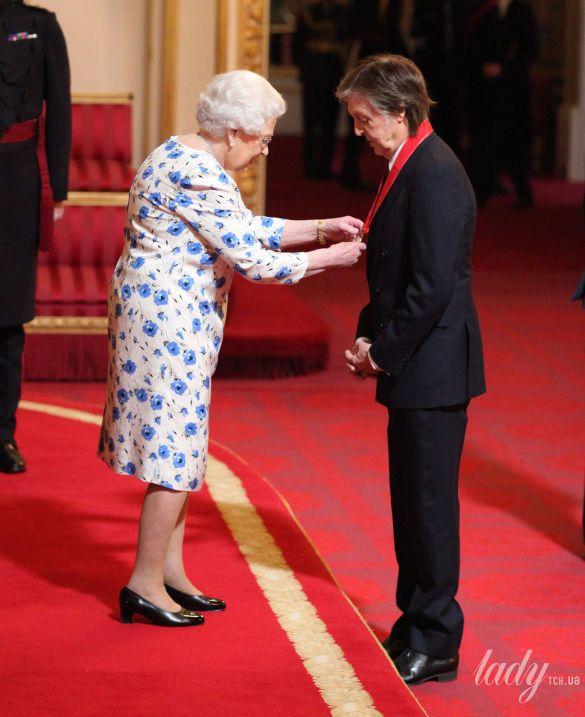 Королева Елизавета II и Пол Маккартни