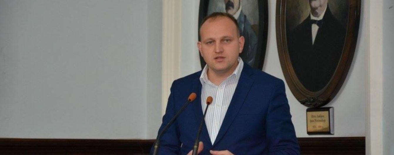 В Черновцах задержали на взятке заместителя мэра