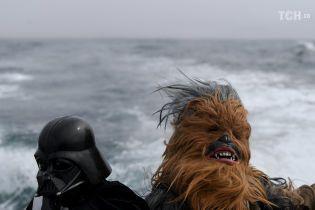 """Рейси на Зірку смерті та Чубака на яхті: в усьому світі фанати відзначають день """"Зоряних війн"""""""