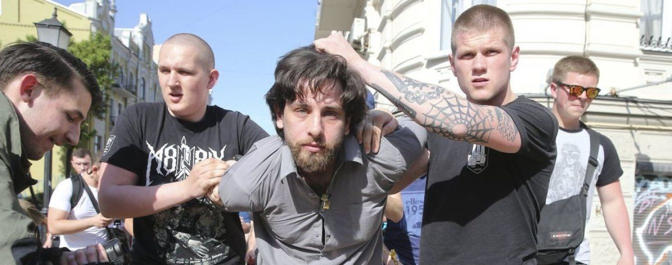 В СБУ и прокуратуре объяснили пребывание на воле задержанного националистами боевика Лусварги