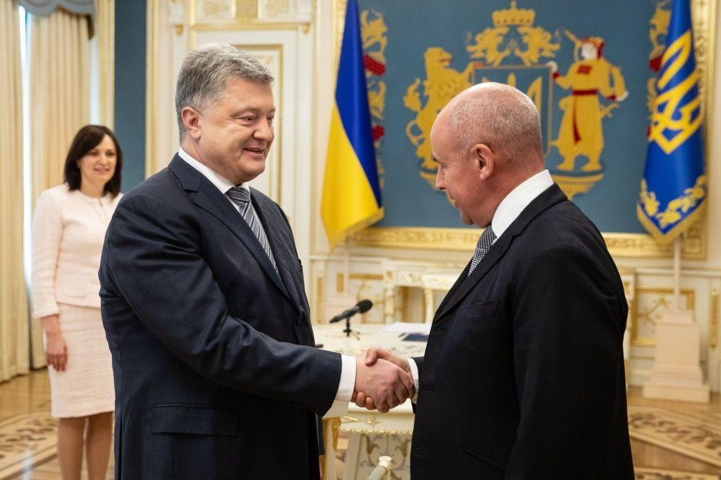 Президент Петро Порошенко і директор Head Йоганн Еліаш