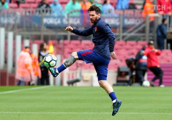 """Стережися, """"Реале"""": на тренуванні перед Ель-Класико Мессі забив вишуканий м'яч через себе"""