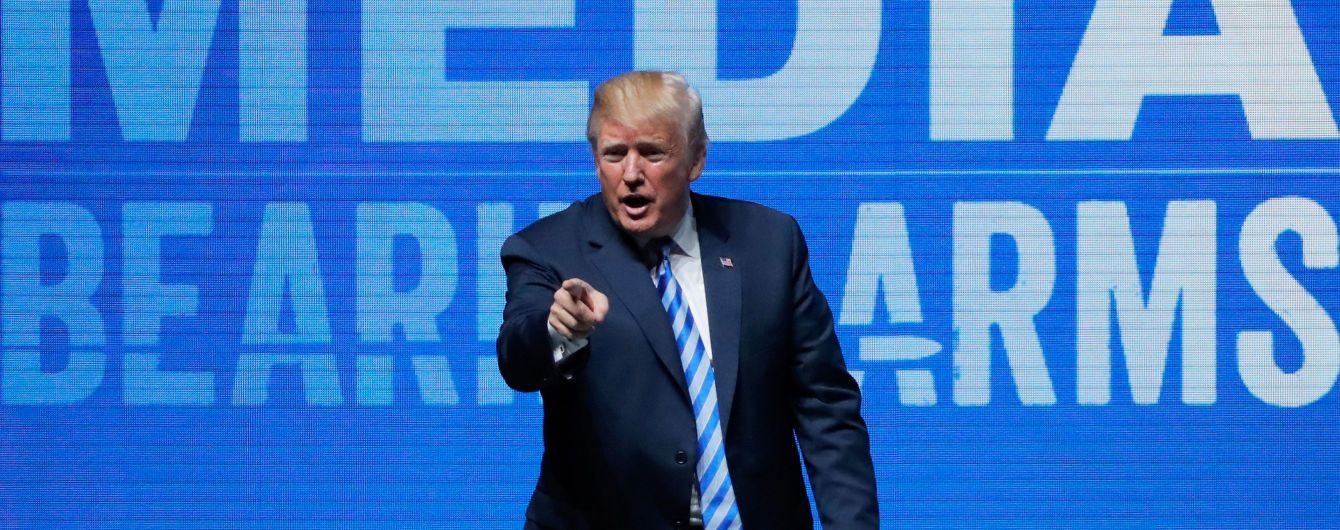 Трамп назвав причиною теракту у Парижі 2015 року відсутність права на зброю. У Франції обурилися