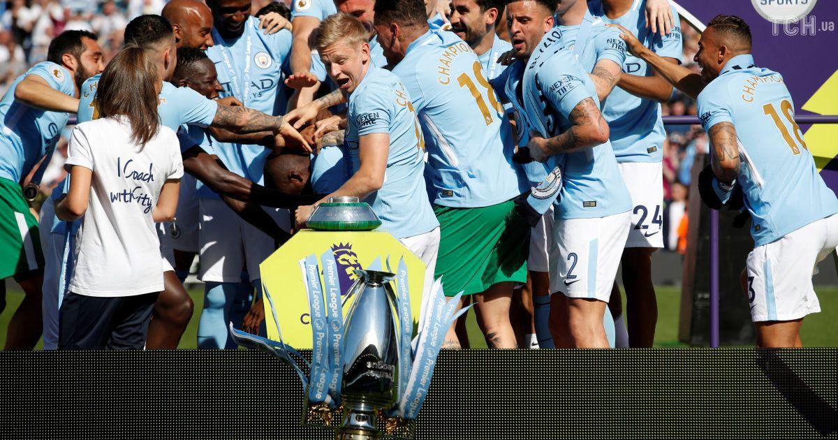 """""""Манчестер Сити"""" наградили за победу в Премьер-лиге @ Reuters"""