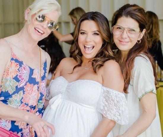 Лонгорія на останніх тижнях вагітності влаштувала вечірку з голлівудськими подругами