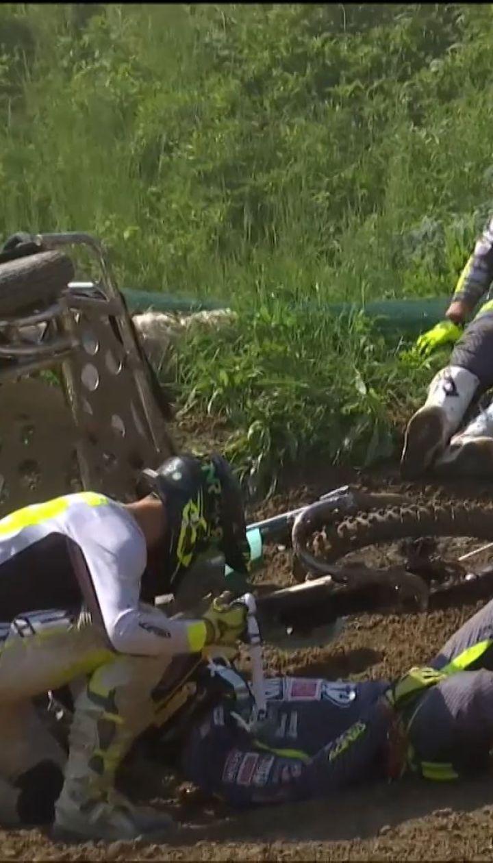 На Буковине во время мотогонок травмировался чемпион мира по мотокроссу