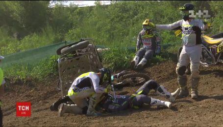 Учасник буковинського етапу Кубка світу з мотокросу після моторошної аварії залишився неушкодженим
