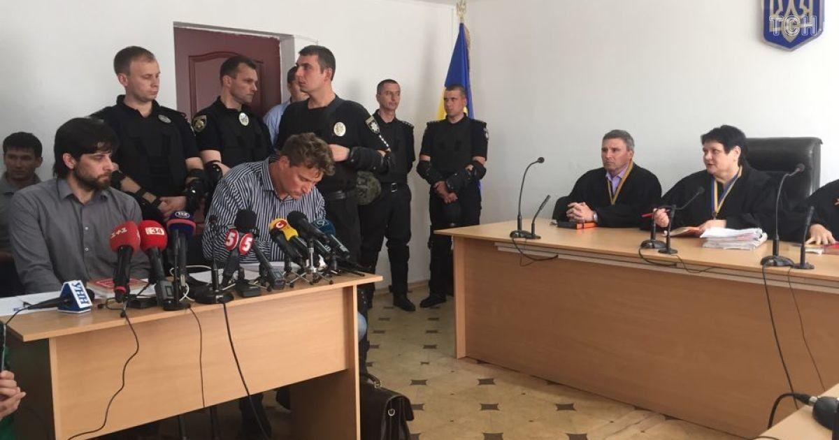Лусварги в зале суда @ Ольга Павловська/ТСН