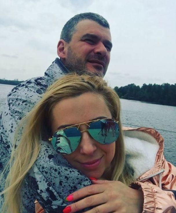 Романтика на двох: Матвієнко та Мірзоян показали, як каталися на яхті