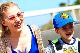Алена Омаргалиева поразила сходством с сыном