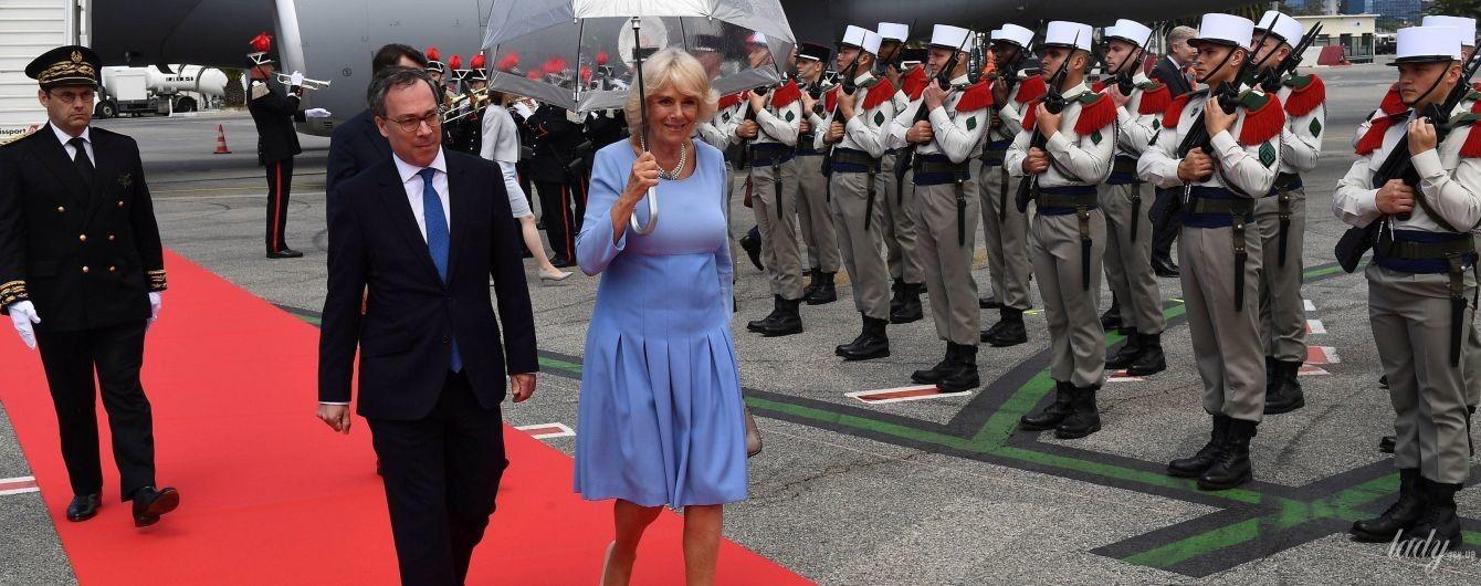 В странном платье и туфлях Chanel: герцогиня Корнуольская на торжественном приеме