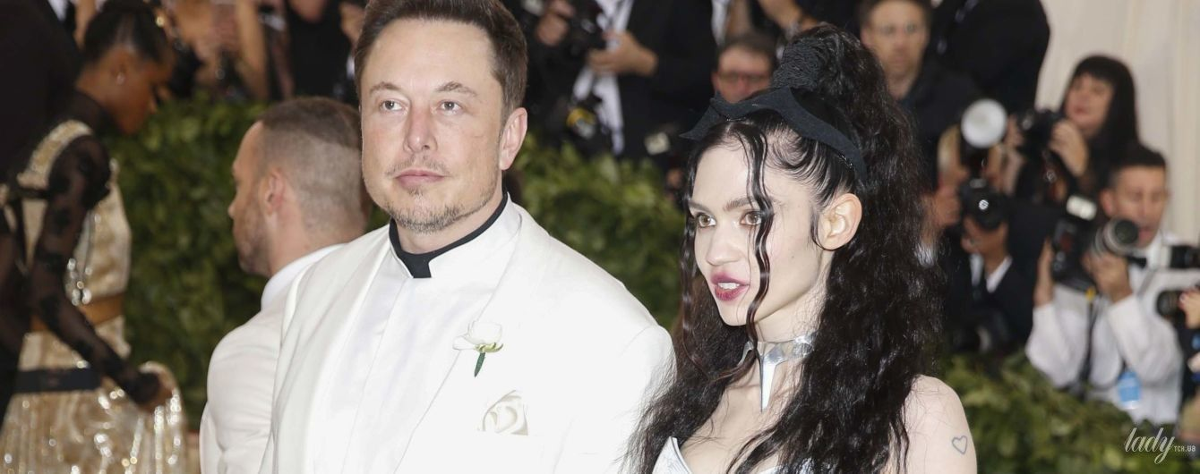 В белом пиджаке и с новой возлюбленной: Илон Маск на Met Gala-2018