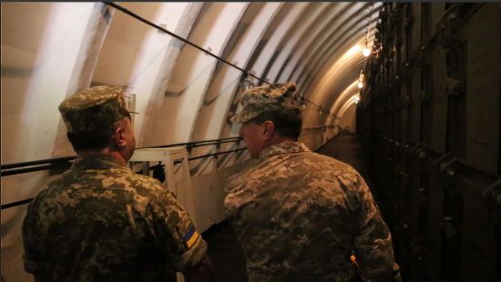 В Україні збудують 15 залізобетонних сховищ для боєприпасів та ракет