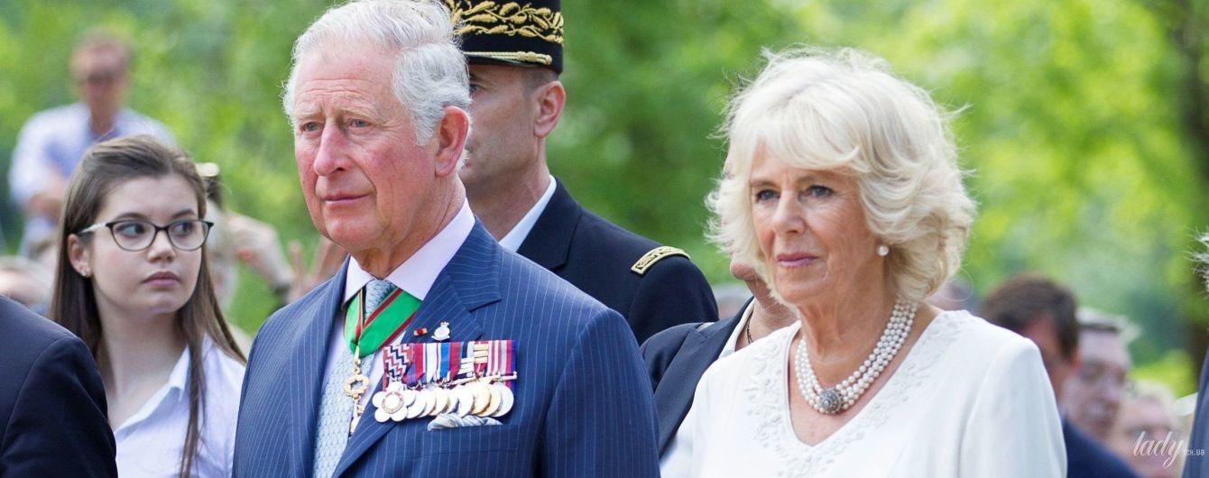 Выглядит прекрасно: 70-летняя герцогиня Корнуольская вышла на публику в нежном образе