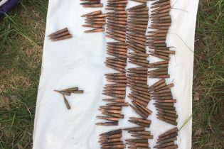 Прикордонники на Луганщині виявили схрон з боєприпасами