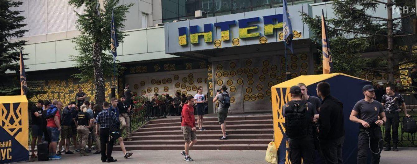 """Після скандального концерту на """"Інтері"""" Нацкорпус збирається відвідати Льовочкіна"""