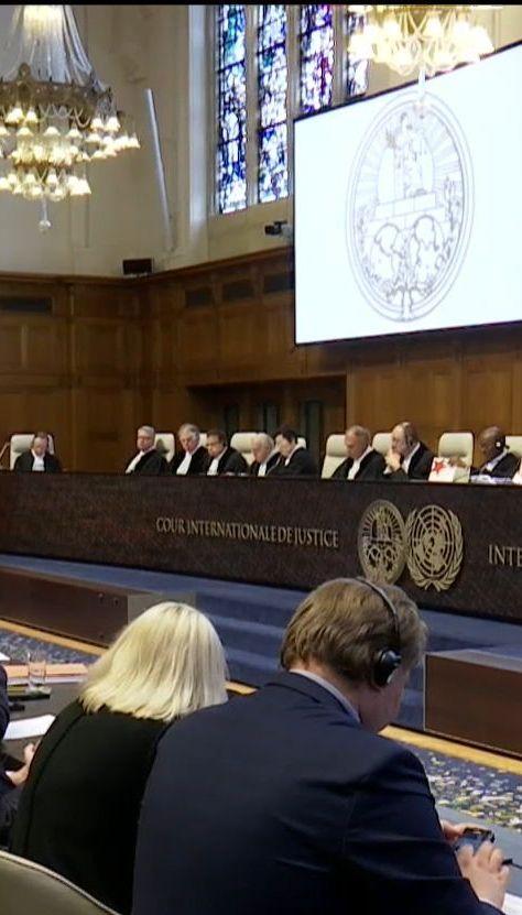 Суд в Гааге постановил, что Россия должна возместить ущерб украинским инвесторам за аннексию Крыма