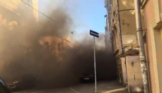 У Москві націонал-більшовики закидали димовими шашками посольство Латвії