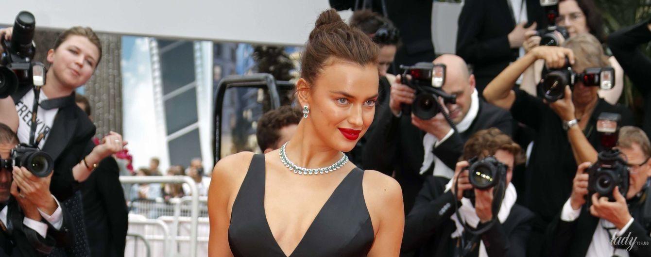 С глубоким декольте и в бриллиантах: роскошная Ирина Шейк на красной дорожке в Каннах