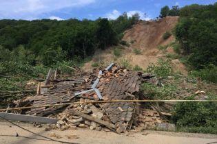 Через зсув ґрунту півтори сотні домогосподарств на Закарпатті лишилися без газу