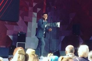 Пел и танцевал: Виталий Козловский выступил на концерте ко Дню Победы в Москве