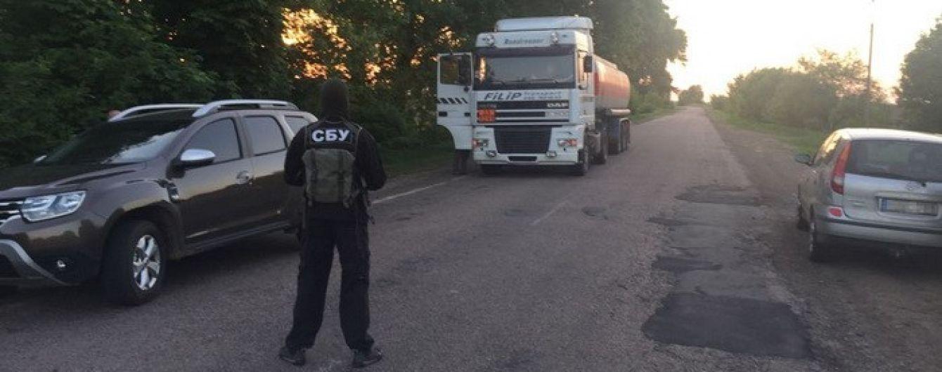 На Черниговщине злоумышленники украли с госпредприятия 36 тонн очищенной нефти