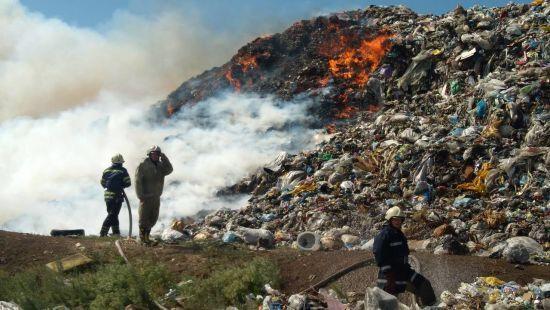 Неподалік Дніпра горить величезне сміттєзвалище