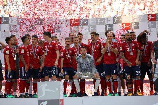 """""""Баварія"""" виграла Бундеслігу, Коноплянка та Ярмоленко - у Лізі чемпіонів. Підсумкова таблиця"""