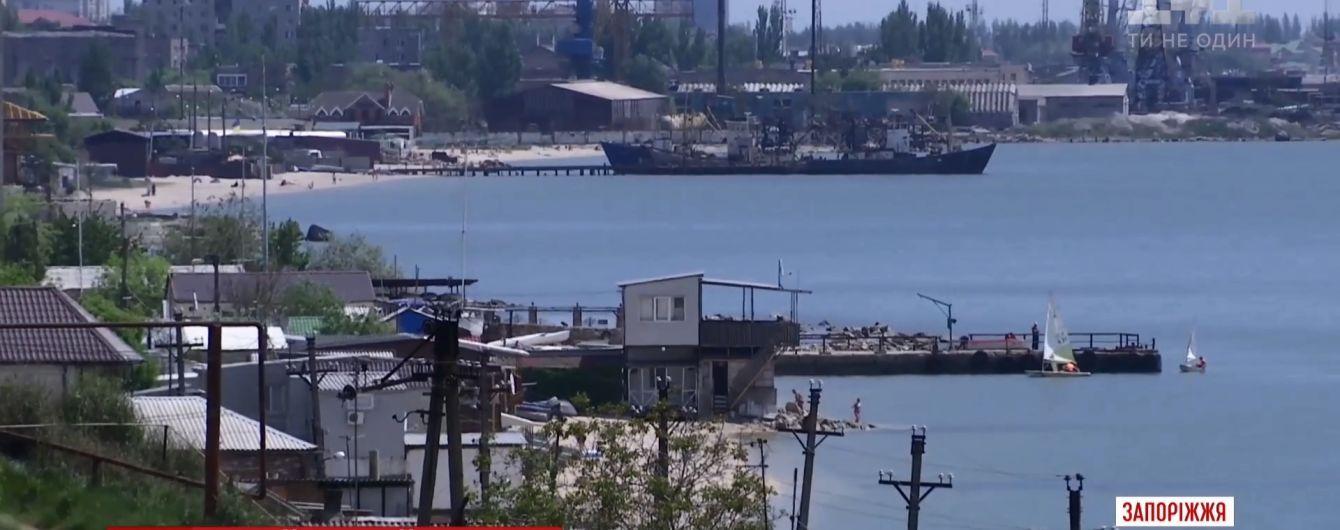 Зламаний двигун чи помста росіян: озвучені перші версії затримання українських рибалок на Азові