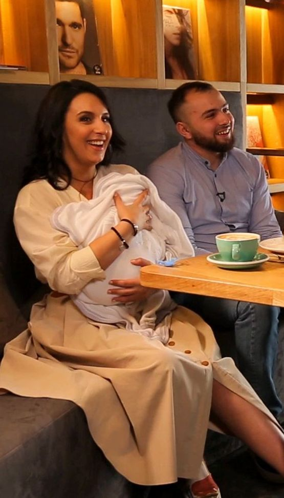 Джамала познакомила с сыном и мужем