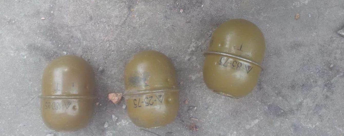 Полиция нашла арсенал оружия и взрывчатки у боевика на Луганщине