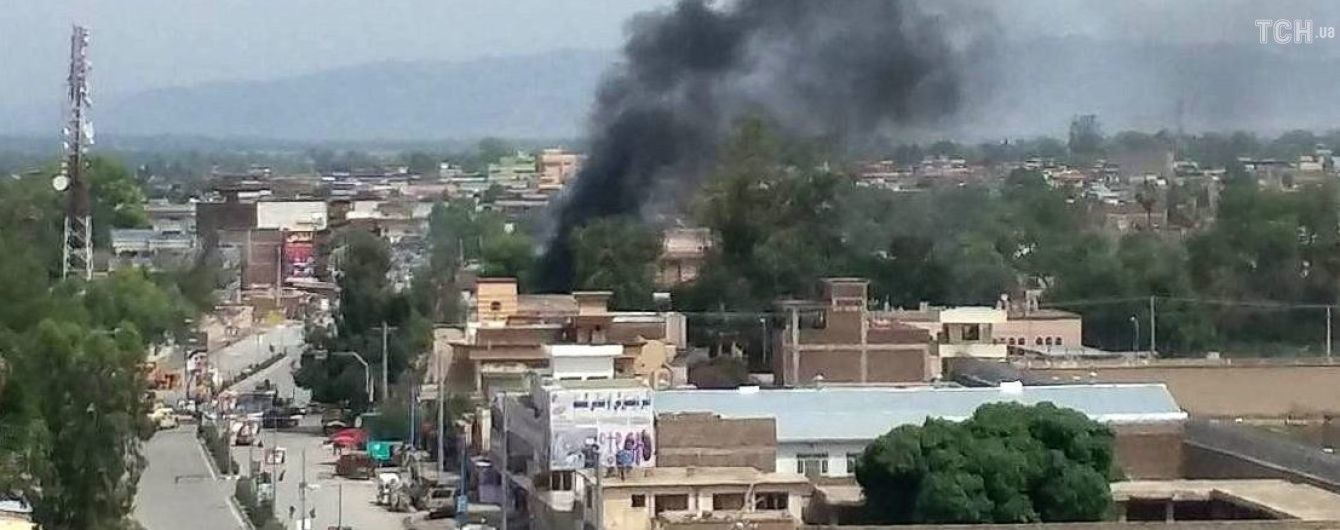 У Афганістані після серії вибухів зав'язалась стрілянина між силовиками та бойовиками