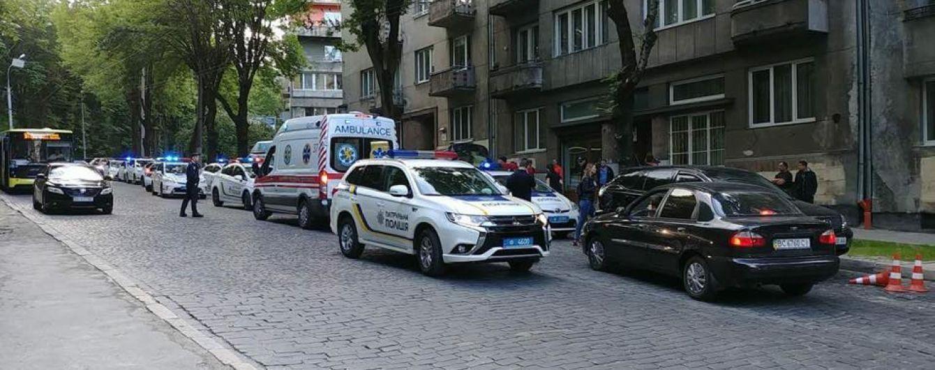 Во Львове участник ДТП ударил ножом женщину-патрульную полицейскую