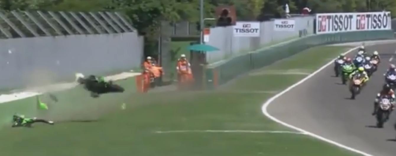 Юний український мотогонщик потрапив у страшну аварію на змаганнях в Італії